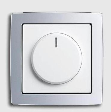 Рис №5. Сенсорный диммер Busch-Dimmer® LED