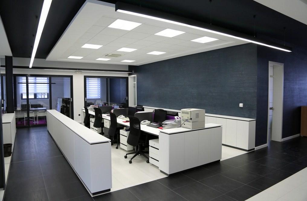 офис на led лампах